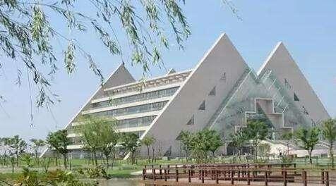 上海工程技术学院(奉炮公路)